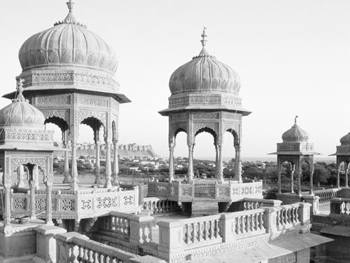 Jawahar Niwas Palace - Grande by Gerard Degeorge